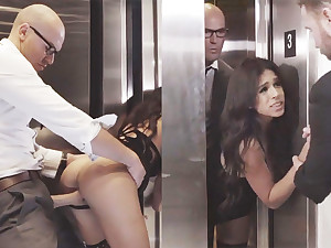 Sneaky GF big Daddy with her big-dicked boss in an elevator